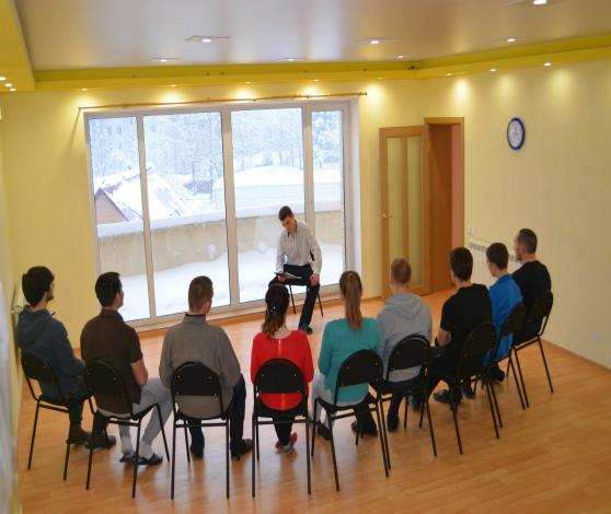 Занятия в центре реабилитации для алкоголиков и наркоманов Владимир