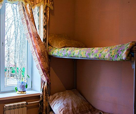 Спальня в центре реабилитации для алкозависимых во Владивостоке